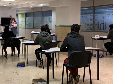 118 personas realizan los exámenes de Cambridge en MondragonLingua