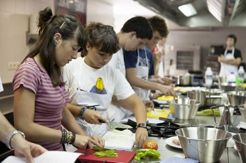 22 jóvenes estrenan el campamento gastronómico de Basque Culinary Center