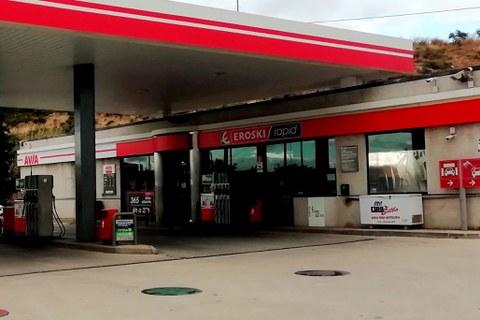 Acuerdo para expandir los supermercado EROSKI Rapid en las gasolineras AVIA