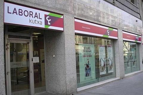 Ante la situación generada por el COVID-19, LABORAL Kutxa prima la clientela y las personas de la organización