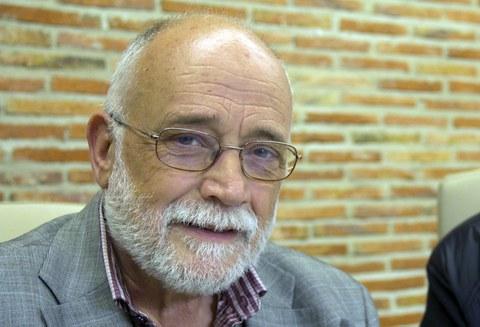 """Arcadi Oliveres: """" La cooperación es la única alternativa y su aplicación debe ser urgente"""""""