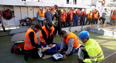 BexenCardio instala desfibriladores a bordo de buques de pesca de la flota gallega