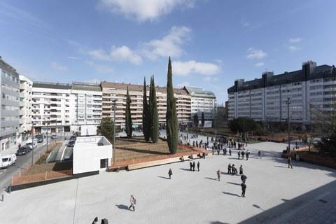 Canales ULMA en la renovada plaza Santa Bárbara de Vitoria-Gasteiz