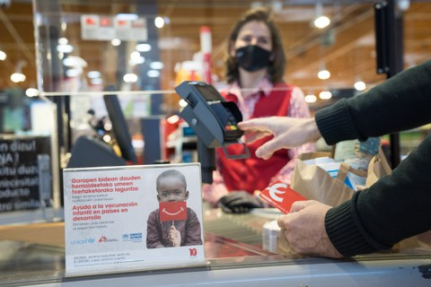 Céntimos Solidarios de EROSKI a favor de la vacunación infantil