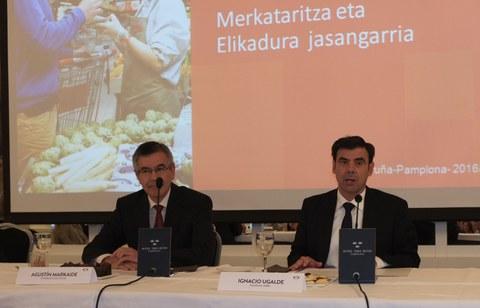Comercio, alimentación sostenible y cooperativismo en el encuentro empresarial con Agustín Markaide en Pamplona