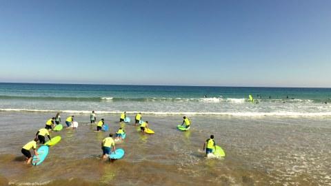 Día de surf, turismo y comida para Ikerlan