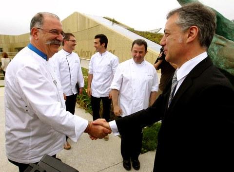Basque Culinary Center homenajea a 200 cocineros vascos