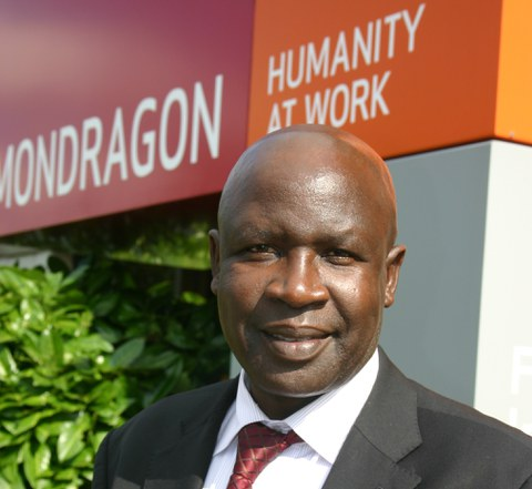 El embajador de Kenia, en MONDRAGON