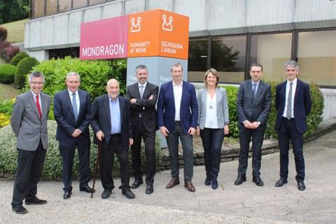 El Nobel de Economía Stiglitz visita Danobat, Eroski y la Corporación MONDRAGON