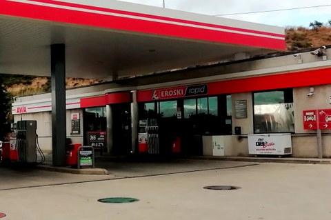 EROSKI y AVIA firman un acuerdo para expandir los supermercados Rapid en las gasolineras