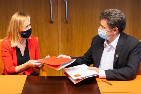 Eroski y Euskaltel firman un acuerdo de colaboración que ofrece nuevas ventajas a la tarjeta EROSKI Club