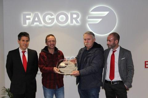Fagor Arrasate entrega a Talleres Mitxelena el galardón al mejor proveedor de 2017