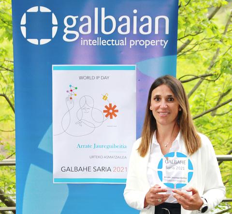 GALBAIAN entrega del Premio GALBAHE a Arrate Jaureguibeitia, como inventora del año