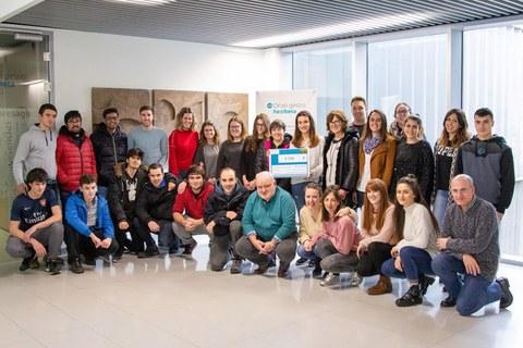 Gesto solidario de los alumnos y alumnas de Oñati Gestio Heziketa