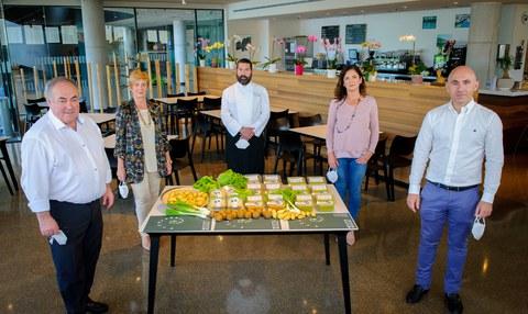 El Gobierno Vasco y la Fundación ORONA entregan 2.000 raciones diarias de platos solidarios
