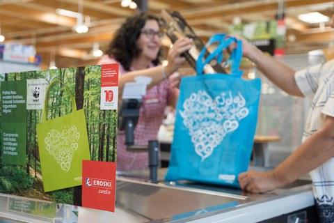 La campaña solidaria de EROSKI-WWF recauda 22.500 euros
