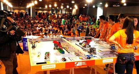 La innovación y el emprendimiento de dos equipos vascos, premiados en First Lego League España