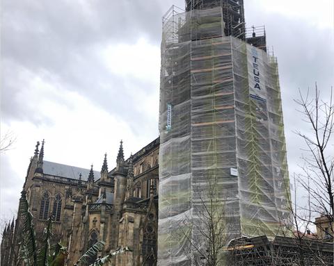 Los andamios de ULMA revisten la catedral del Buen Pastor
