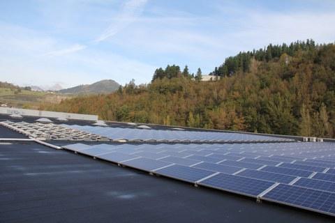Mondragon Assembly instala en su sede de Aretxabaleta 100kW en paneles solares