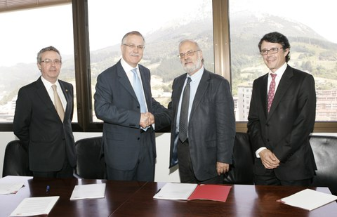 MONDRAGON Health y Vall d'Hebron firman un convenio de colaboración en el ámbito de la I+D+i