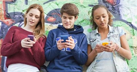 Mondragon Unibertsitatea investiga los hábitos de la adolescencia en las redes sociales