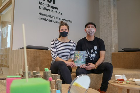 Mondragon Unibertsitatea presenta un libro para profundizar en la experimentación infantil