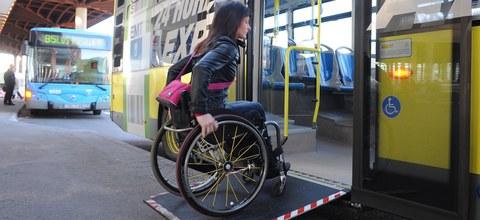 ONCE y Mondragon Unibertsitatea premian las mejores soluciones para personas con discapacidad visual