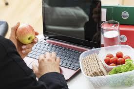 Osarten organiza una conferencia sobre alimentación saludable en el trabajo