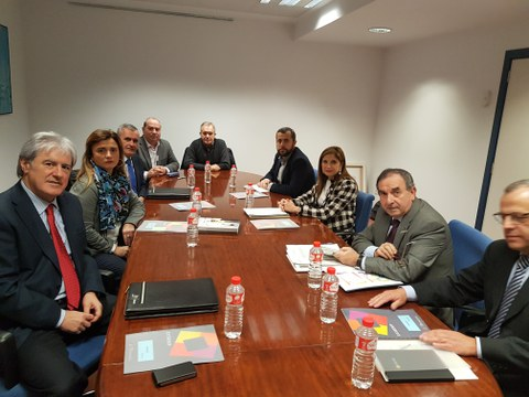 Primera reunión de la consejera de Trabajo con representantes de Konfekoop