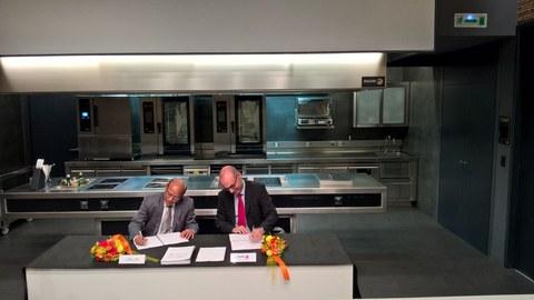 Fagor Industrial y Lindal Stainless repiten acuerdo