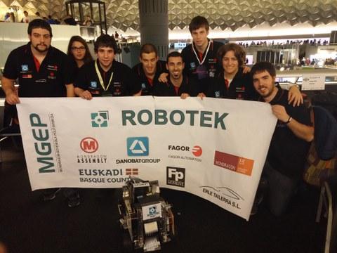 Representación de MONDRAGON en el First Tech Challenge
