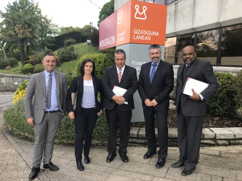 Representantes de INADEH visitan MONDRAGON