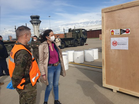 Aterrizan en Madrid las líneas de MONDRAGON para producir mascarillas de uso quirúrgico