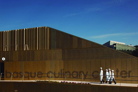 Basque Culinary Centerrek 10 urte bete ditu, gastronomia sustatzen