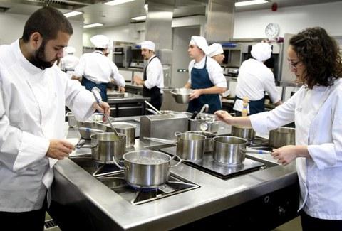 Basque Culinary Centerreko graduko 400 bat ikasle praktiketan ari dira 26 herrialdetako jatetxeetan