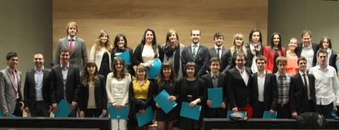 Enpresagintza Fakultateko 95 ikaslek diplomak jaso dituzte