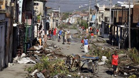 Eroskik kanpaina bat jarri du martxan Haitin izandako urakanaren kaltetuei laguntzeko