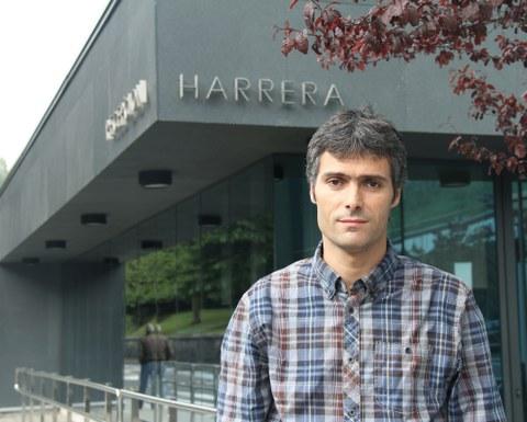 """Iker Robles: """"25 urte daramagu Mexikon lanean eta aurten, egindako ahaleginen aitorpena jaso dugu""""."""