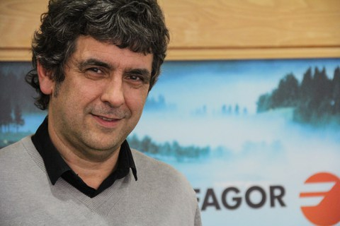 """Josean Alustiza, Fagor Taldeko presidentea: """"euskararen normalizazioan ondo egindako lanaren fruituak jasotzen ari gara""""."""