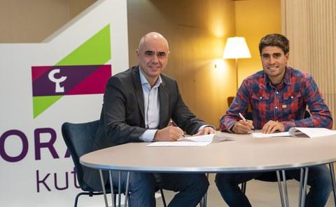 Laboral Kutxak eta Euskadi Fundazioak hitzarmena sinatu dute oinarriko txirrindularitza sustatzeko