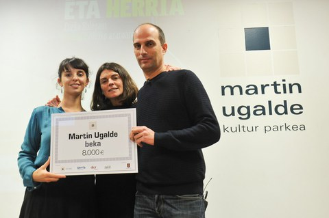Martin Ugalde beka jaso dute Ainhoa Larrañaga, Eneko Bidegain eta Zuriñe Maguregi unibertsitate irakasleek