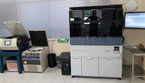 OSARTENek dagoeneko egiten ditu Covid-19a detektatzeko probak, TMA diagnostiko molekularreko teknikaren bidez
