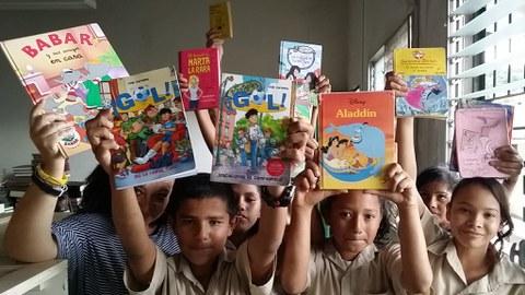 ULMA Fundazioa liburu eta ipuinen bilketa egiten ari da, Hondurasera bidaltzeko